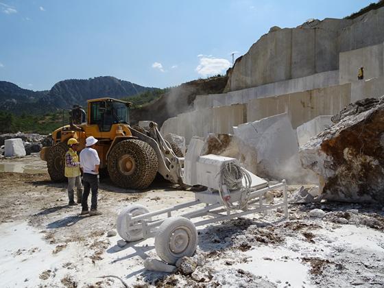 土耳其矿山开采现场